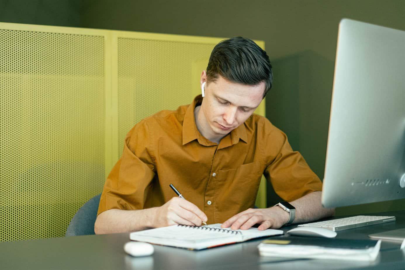 MKS Web Design - Taking notes and designing websites